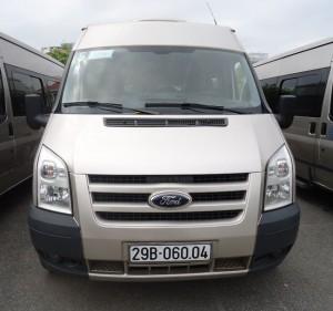 Cho thuê xe cưới Ford Transit 16 chỗ giá rẻ