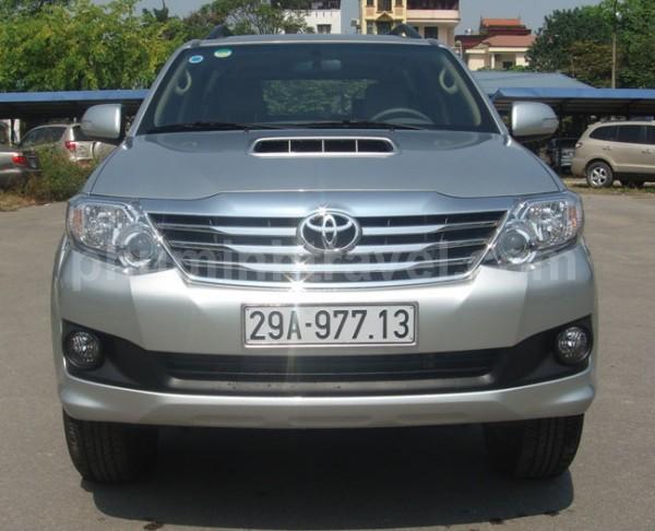 Cho thuê xe fortuner tháng giá rẻ 7 chỗ tại Hà Nội